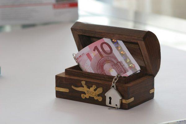 finance-1908842_960_720