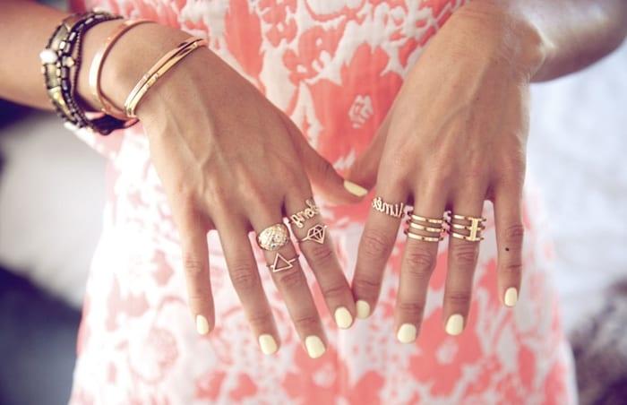 Картинки по запросу Как правильно носить кольца, чтобы они были не только украшением, но и верным та