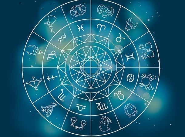 """Картинки по запросу """"Этим 5 знакам Зодиака вредно читать свой гороскоп"""""""
