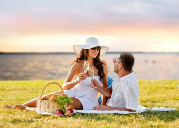 Всем шампанского: ученые подтвердили, что алкоголь укрепляет брак ...