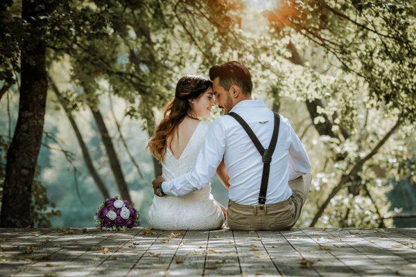 Идеальный возраст жены для мужчины каждого из знаков Зодиака   Femmie