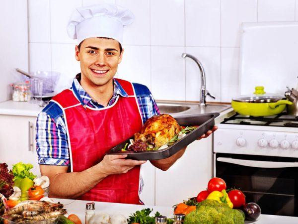 Мужчина на кухне: какие блюда нужно готовить, чтобы дожить до 100 ...