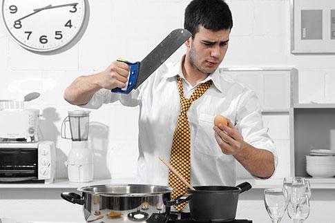 Мужчина готовит еду – Красота и здоровье женщины
