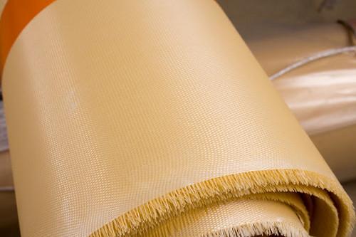 Особенности и технические свойства рулонного стеклопластика